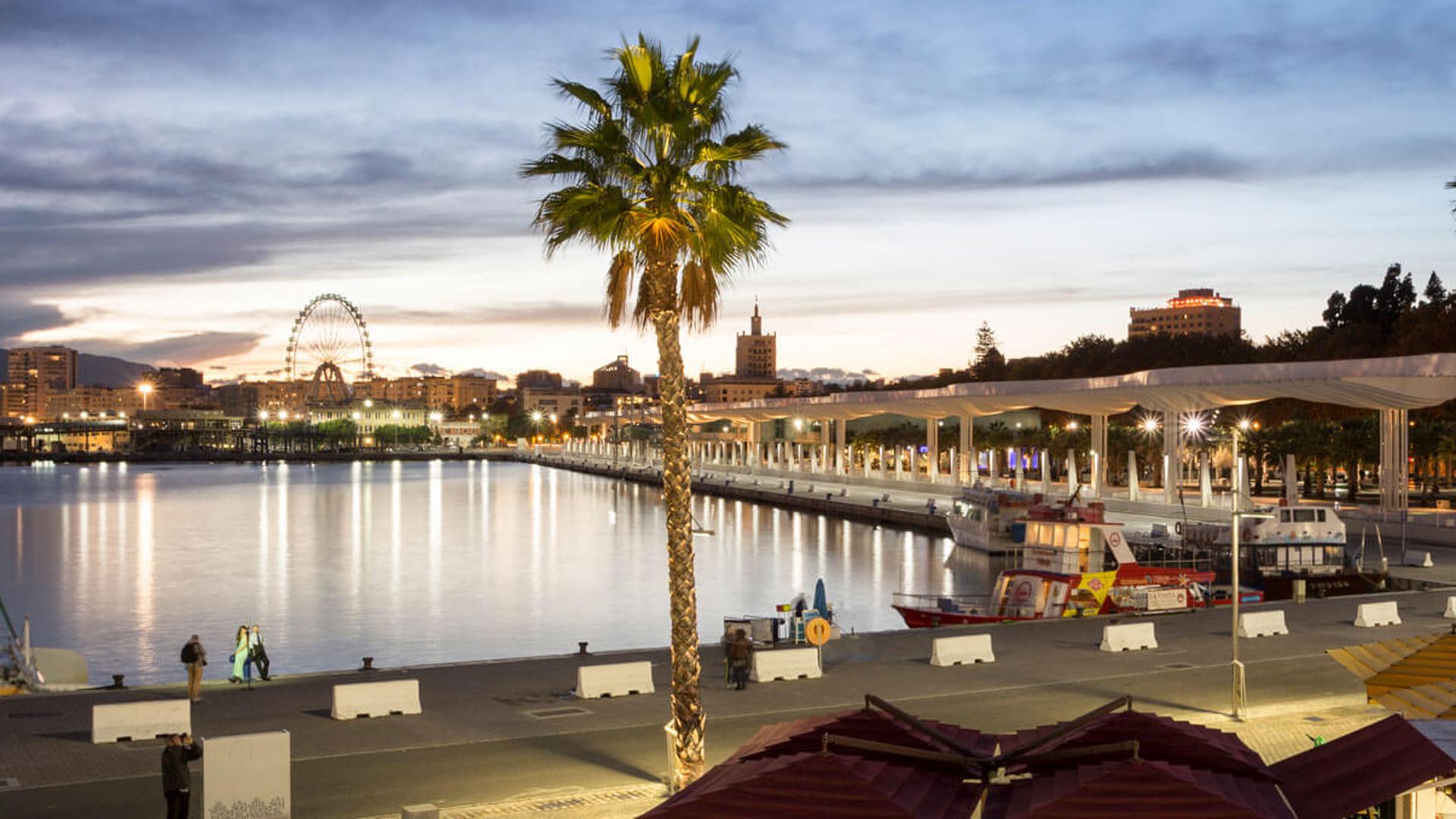 Paseos por el muelle uno Málaga